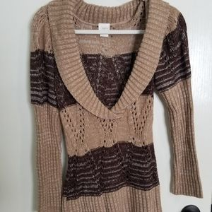 Daytrip V-neck brown and tan sweater